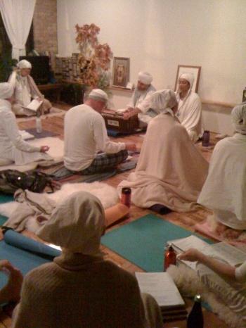 sadhana harmonium 2010.jpg