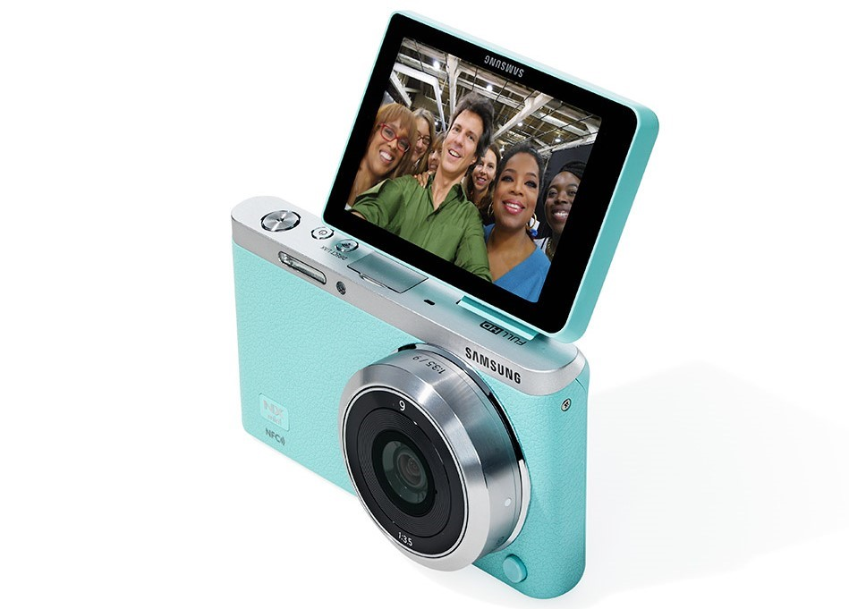Samsung NX Mini Camera