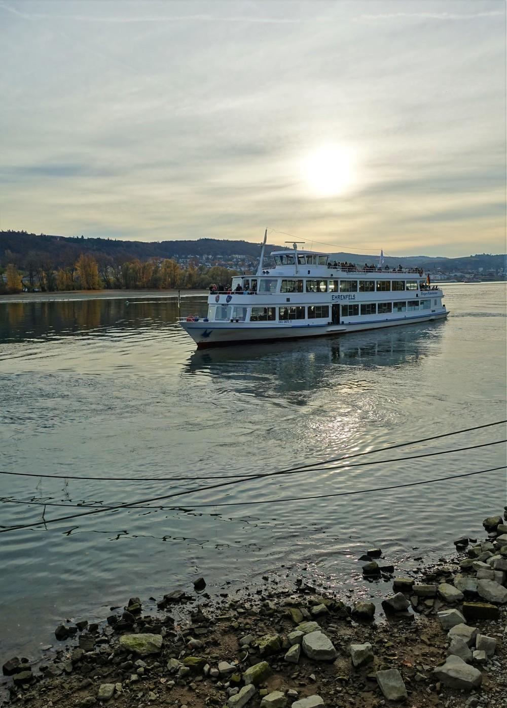 sunset boat tour in rudesheim