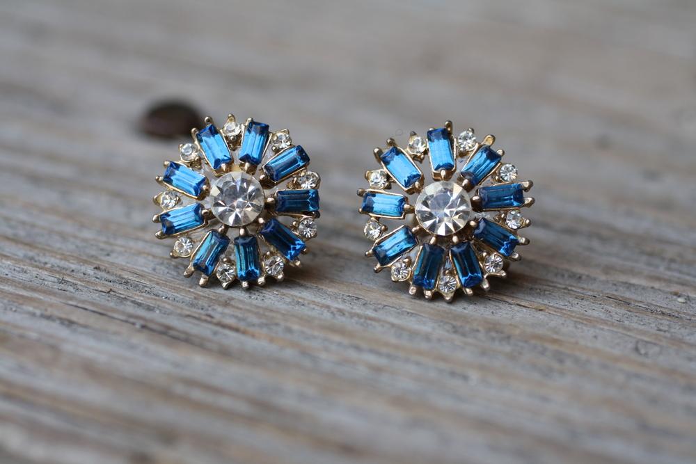 Blue Rectangle White Rhinestone Vintage Earrings_01.JPG