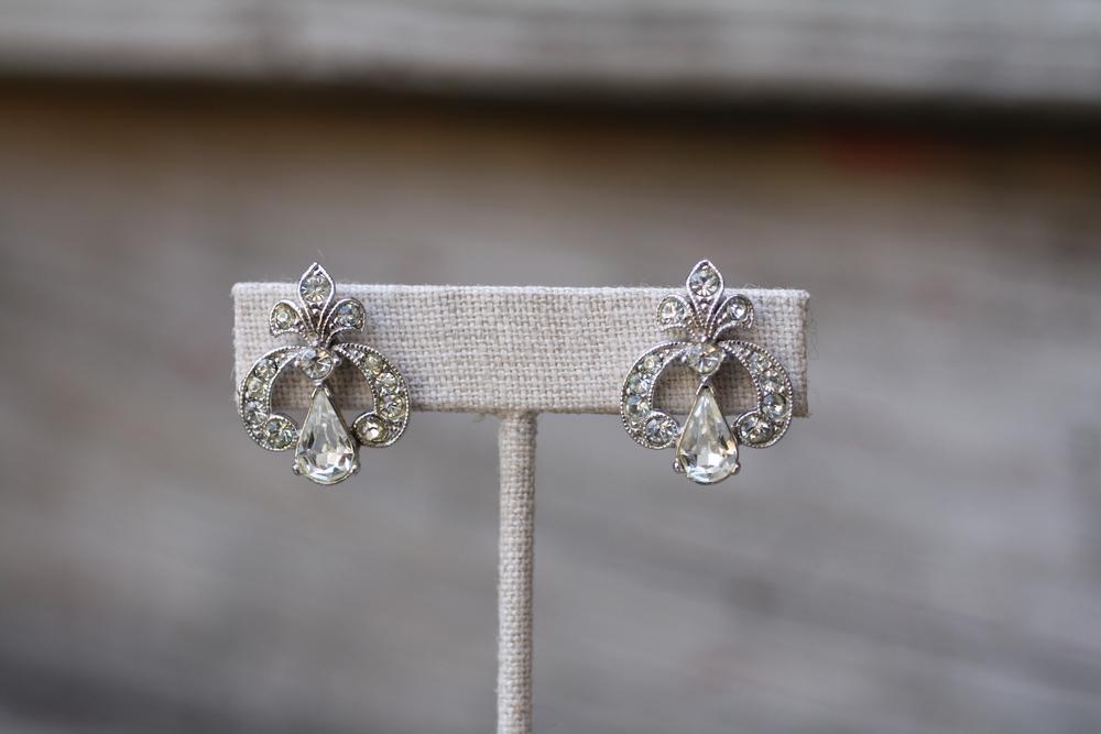 Fleur de Lis Rhinestone Studs Vintage Earrings_01.JPG