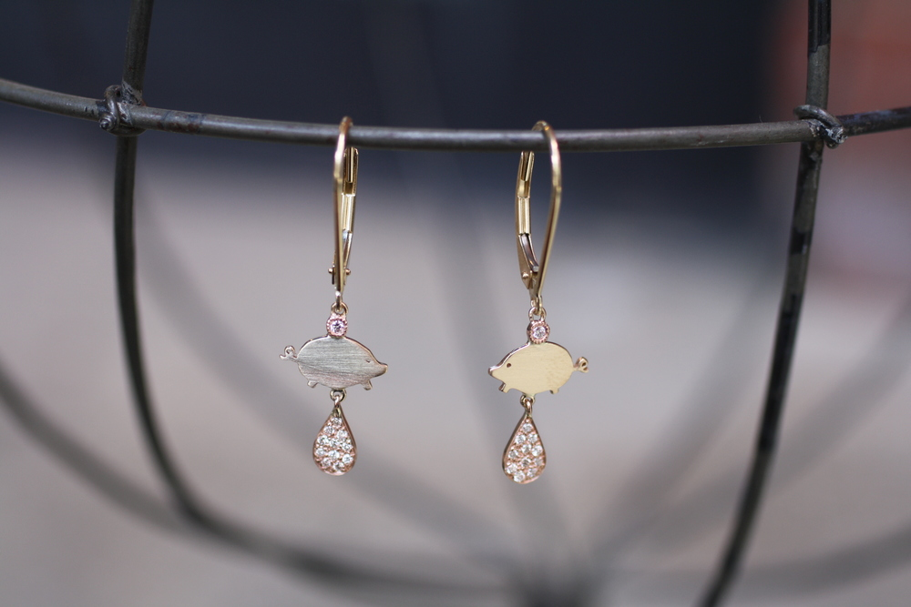 YG+RG+Diamond+Pig+Lobster+Claw+Earrings_06.JPG