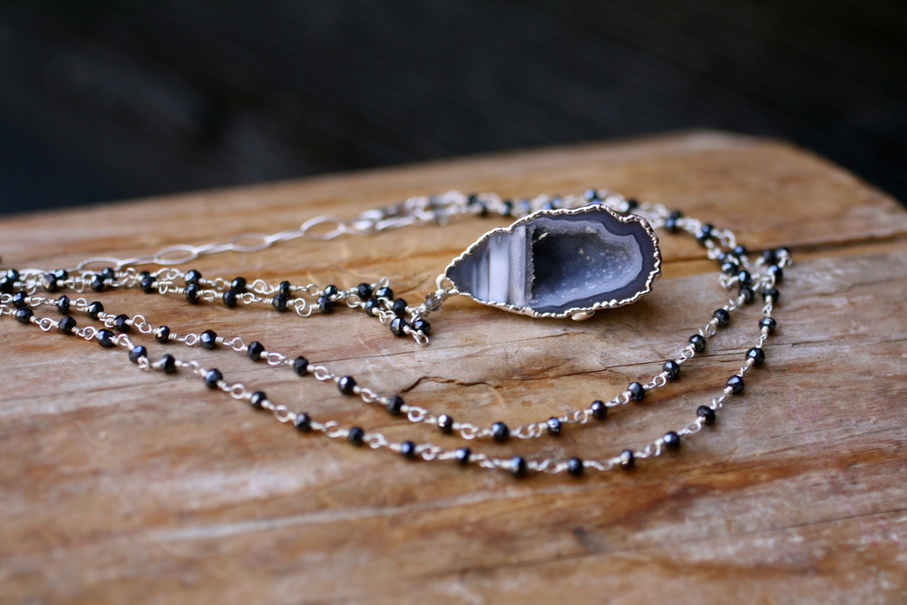Small+Blue+Druzy+Cave+Black+Spinel+Beaded+SS+Chain+Necklace_02.JPG