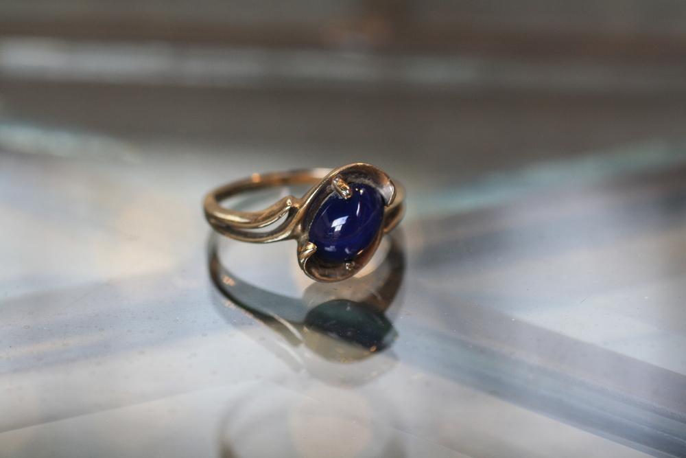 EW Oval Blue Stone Gold Ring_01.JPG