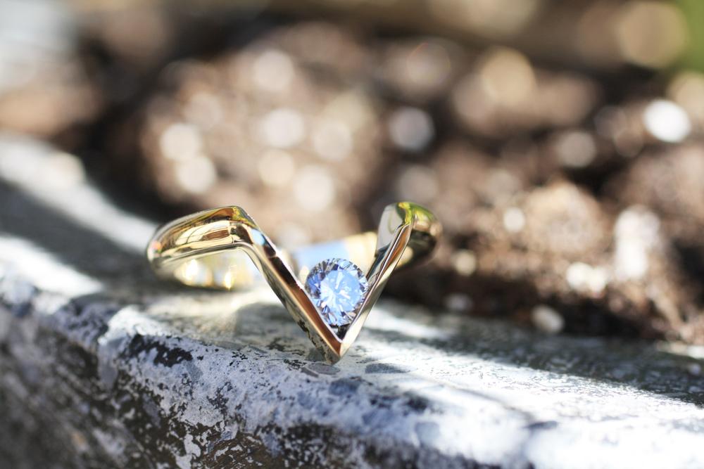 Modern V Shaped Diamond YG Ring_18.JPG