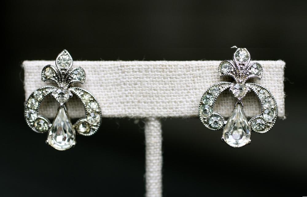 Tara Lynch-Vanschaak Bridal Vintage Earrings for Bridesmaids_05.JPG
