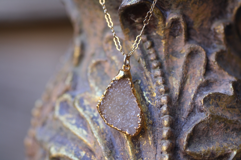 Sandy Triangular Druzy Vintage Inspired Chain Necklace_08.JPG