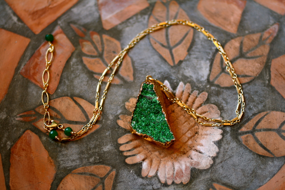 Uvovarite Triangle Druzy Gold Electroplated GF Chain Necklace_01.JPG