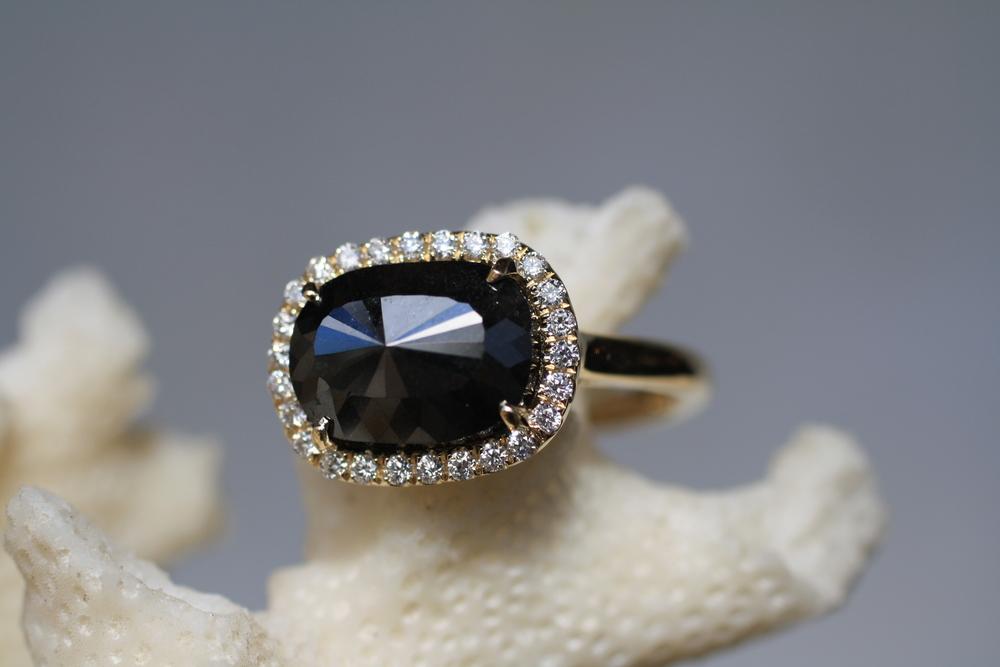 Black Diamond EWO YG Set Pave Diamond Ring_09.JPG