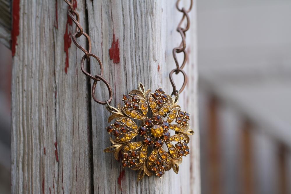 Brown Orange Rhinestone Floenzo Brooch Copper Chain VCON Necklace_06.JPG