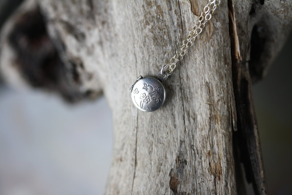 Locket Silver Circle Floral_01 copy.JPG