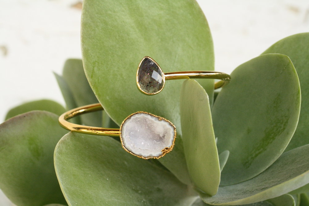Two Step White Druzy Cave & Labradorite Pear Shape_04.JPG