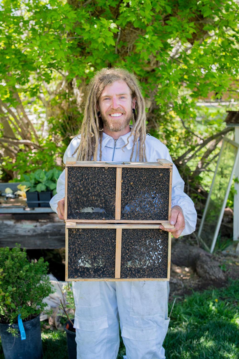 nelson-esseveld-lyons-farmette-beekeeping-03.jpg