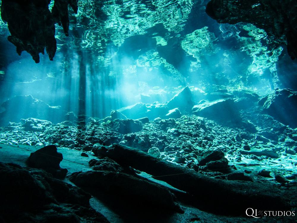 Cenotes diving.jpg