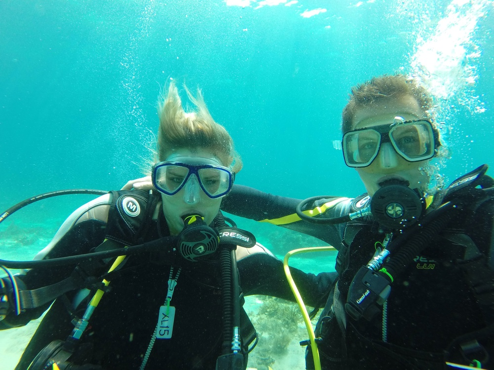 Happy divers on their training dives in Bohol