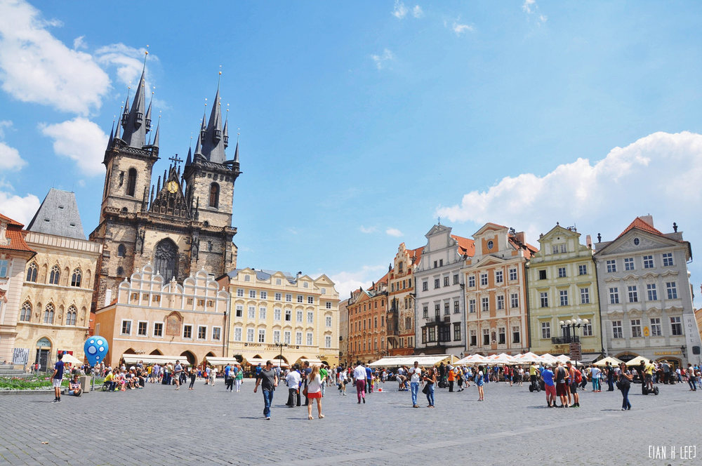 [Ian H Lee] Photography || Travel - Prague :: Busy Prague.jpg