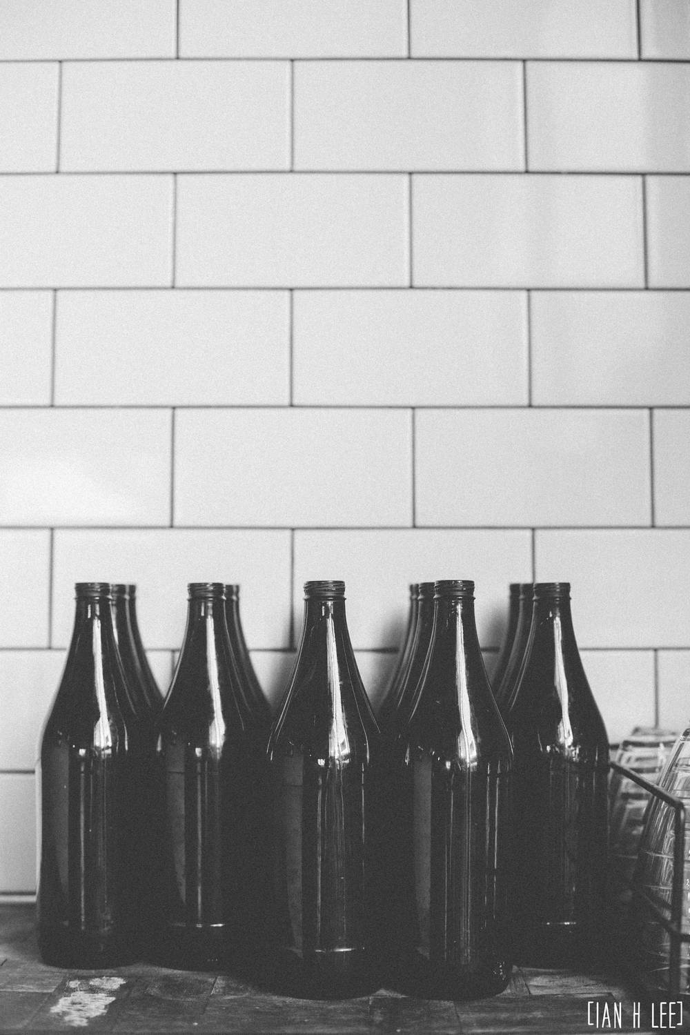 [Ian H Lee] Photography || Lifestyle - Melbourne :: Oscar Cooper Bottles.jpg
