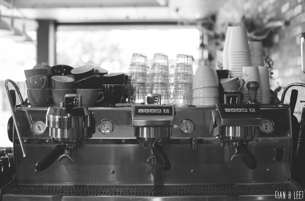 [Ian H Lee] Photography || Lifestyle - Melbourne :: Oscar Cooper Coffee Machine 1.jpg