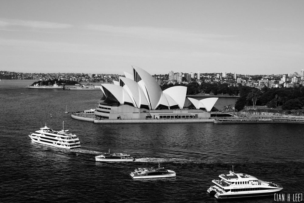 [Ian H Lee] Photography || Travel - Sydney :: Opera House Traffic BW.jpg