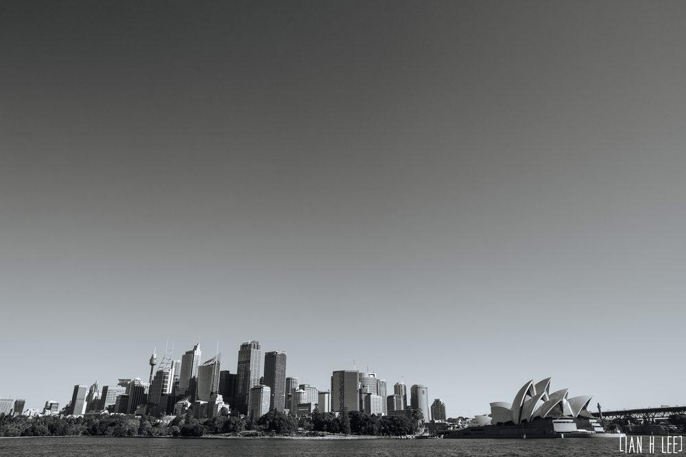 [Ian H Lee] Photography || Travel - Sydney :: Sydney Skyline 3 BW.jpg
