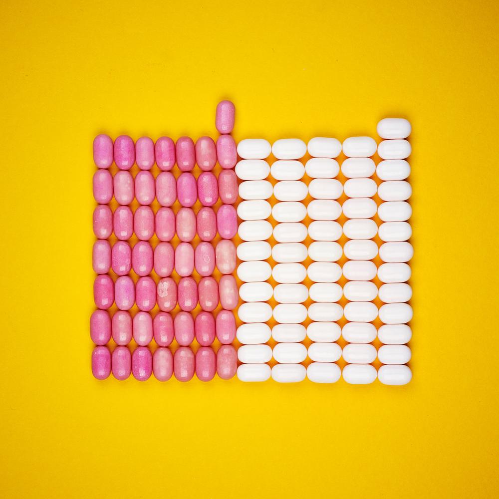 Tic Tac:White 54.95% / Pink 45.04%.(4 x 24g)