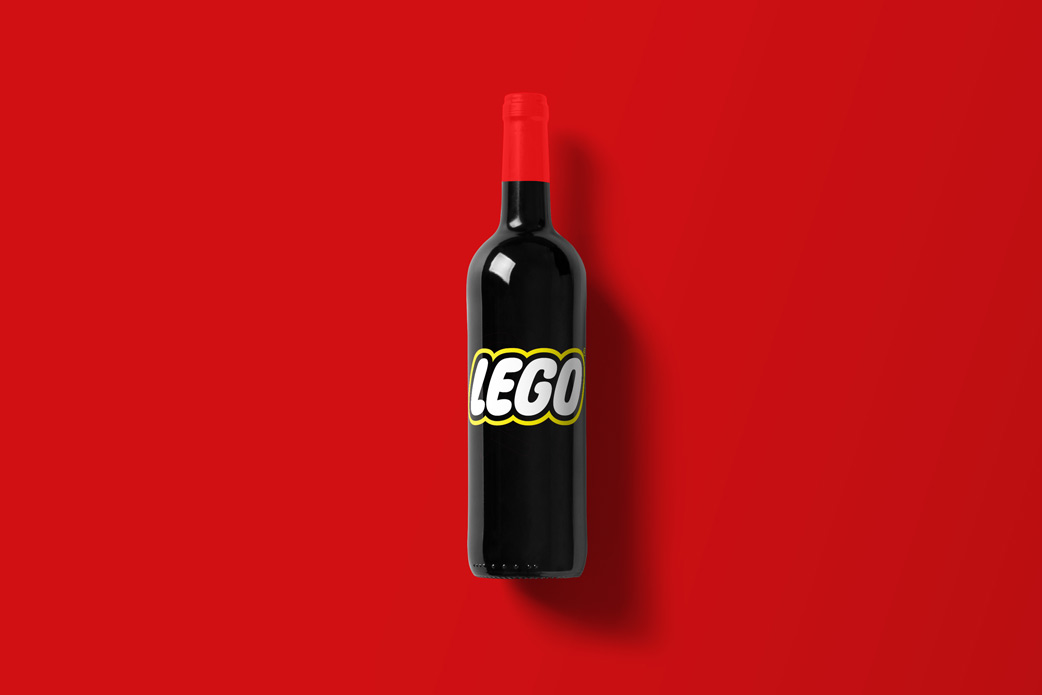Wine-Bottle-Mockup_lego.jpg