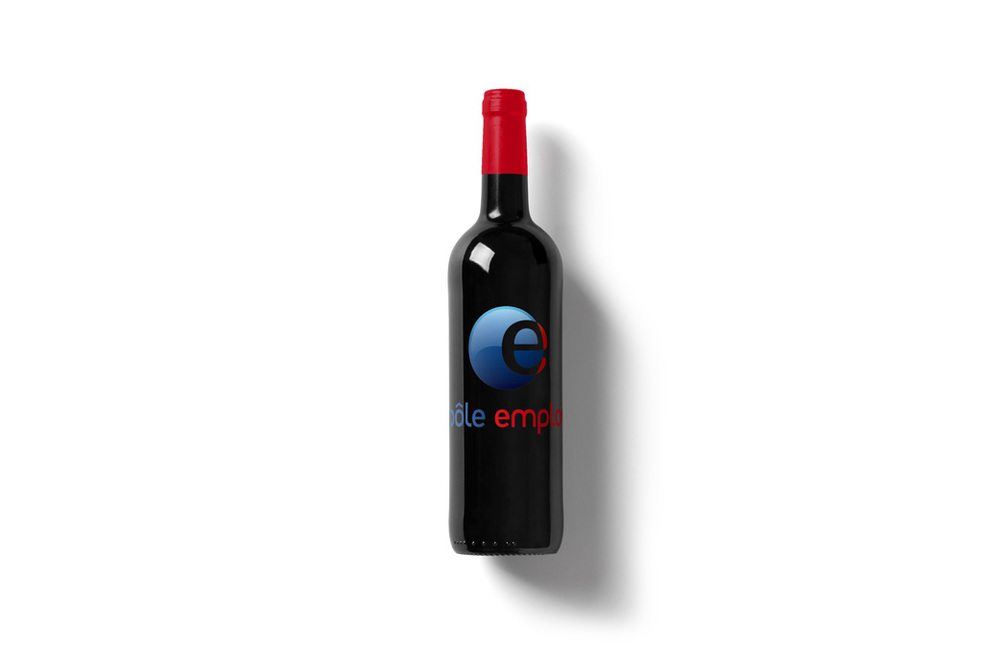 Wine-Bottle-Mockup_pole-emploi.jpg