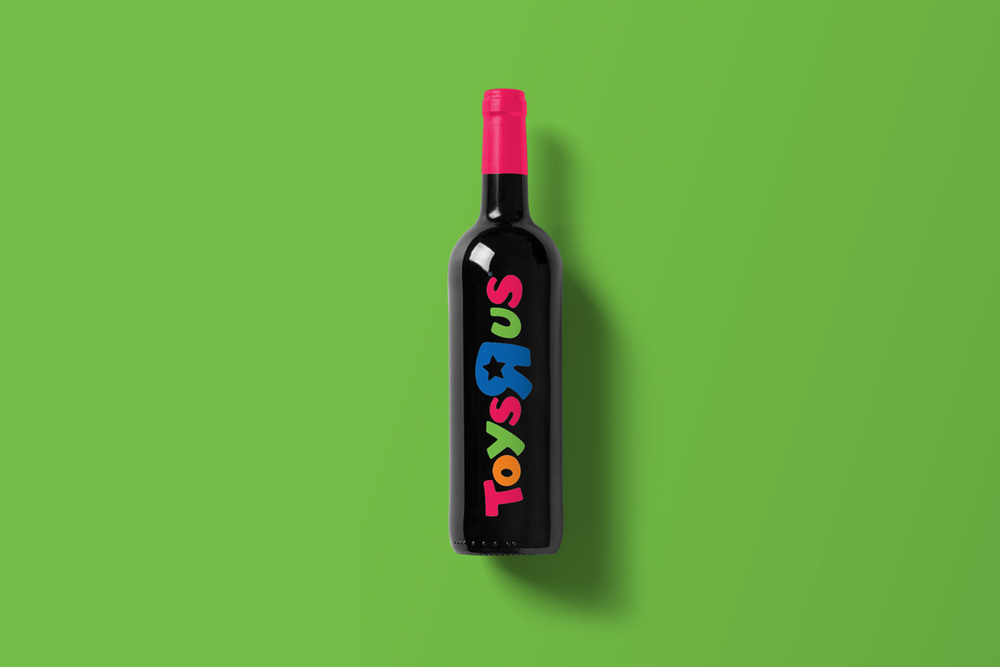 Wine-Bottle-Mockup_toys.jpg