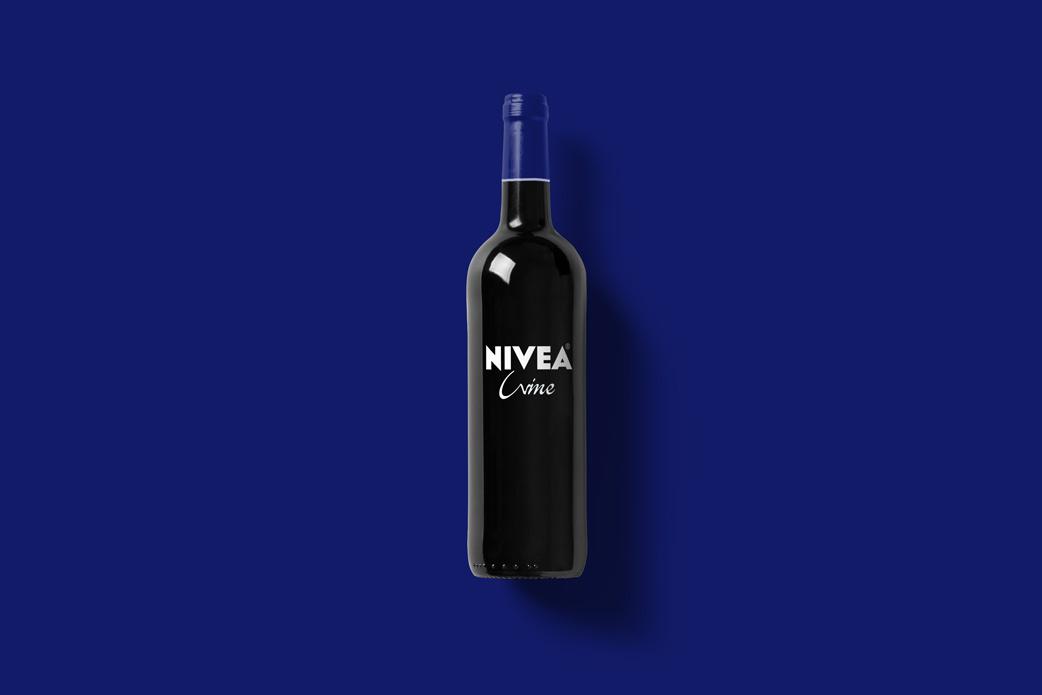 Wine-Bottle-Mockup_nivea.jpg