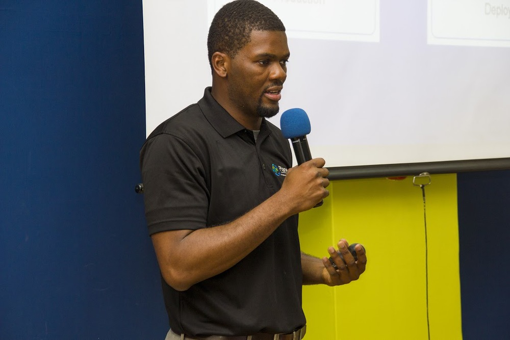 Rudi Ngnepi from National Instruments delivering his presentation to the audience. Photo by iHub Photography