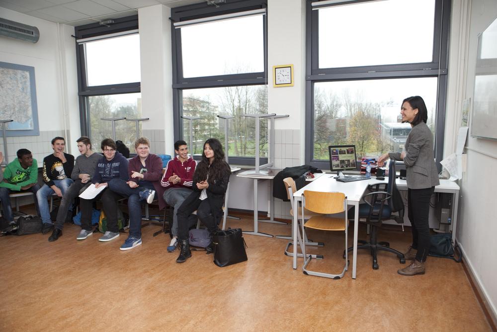 2014. Laura M. Pana - Guest Lecture @ Hofstad Lyceum.Photo Credit: Henriette Guest