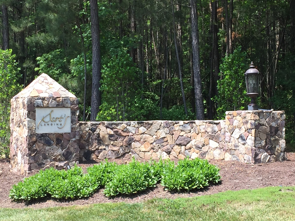 Scots Landing entrance picture.JPG