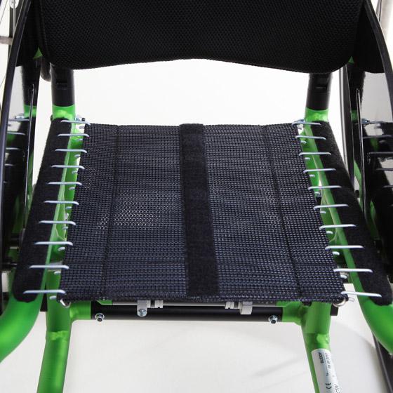 Beispiel einer Sitzbespannung (hier ohne die Sitzauflage, die noch oben drauf kommt) für einen Kinderrollstuhl, Hersteller Pro Aktiv (http://www.proactiv-gmbh.de/rollstuehle_sitz_body_contour.html)