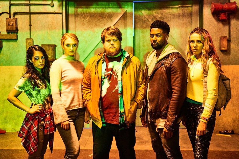 Ravers Cast - On Set