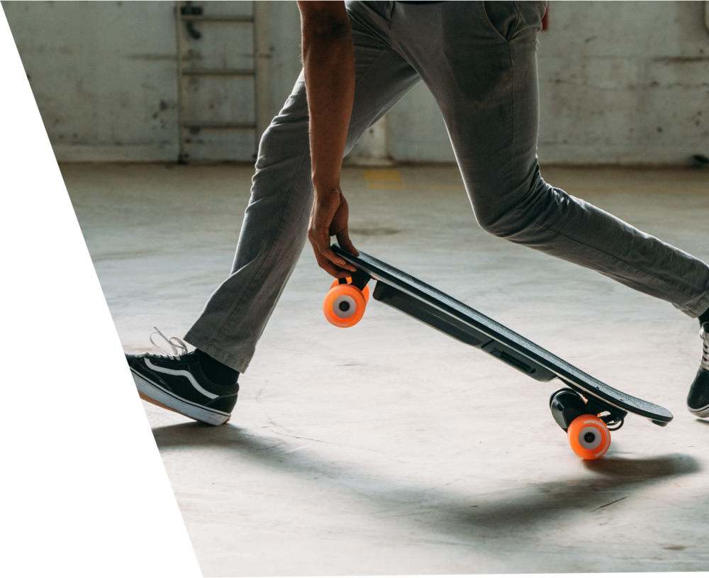 SHORTBOARDS - Perfect for shorter commutes, cruising campus, and portability, the Boosted Minis are everything you need in a small electric skateboard. The unique Deep Dish concave shape secures your feet in position so you can lean in hard and push for superior control and response. The kicktail design lets you make sharp 90 degree turns and pivot for ultimate maneuverability.