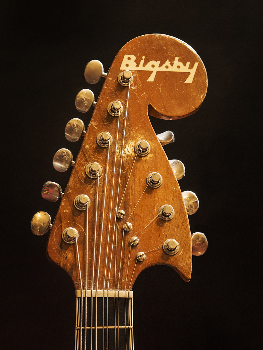 Bigsby 10-String Mando peghead.jpg