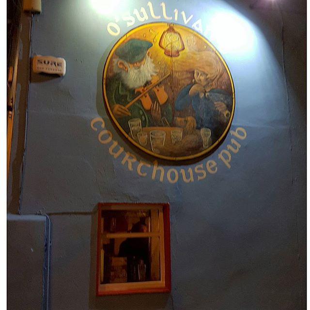 O'Sullivan's Courthouse Pub, the best place for traditional music in Dingle, Ireland.