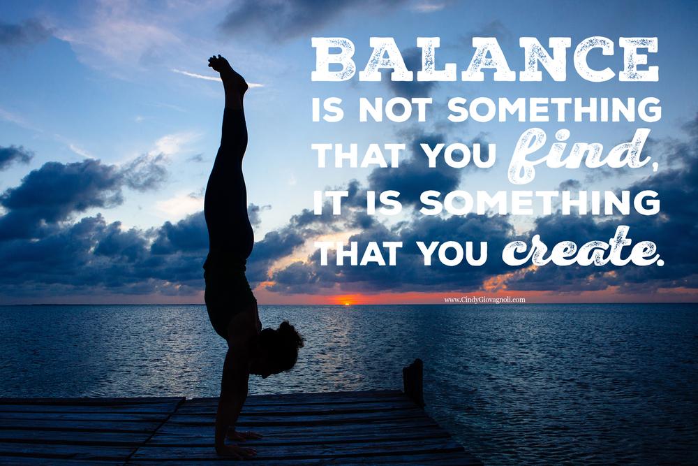 CindyGiovagnoli_Belize_CayeCaulker_yoga_balance