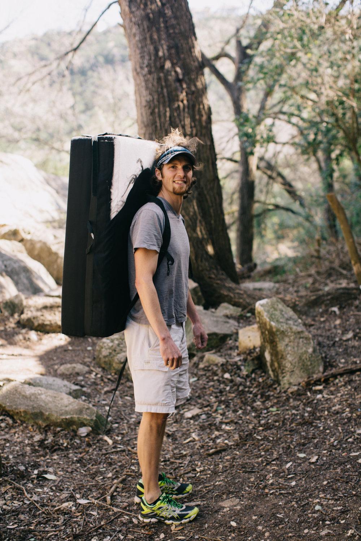 CindyGiovagnoli_photographer_outdoor_climbing_adventure_Texas_Austin_BullCreekPark_bouldering-008.jpg