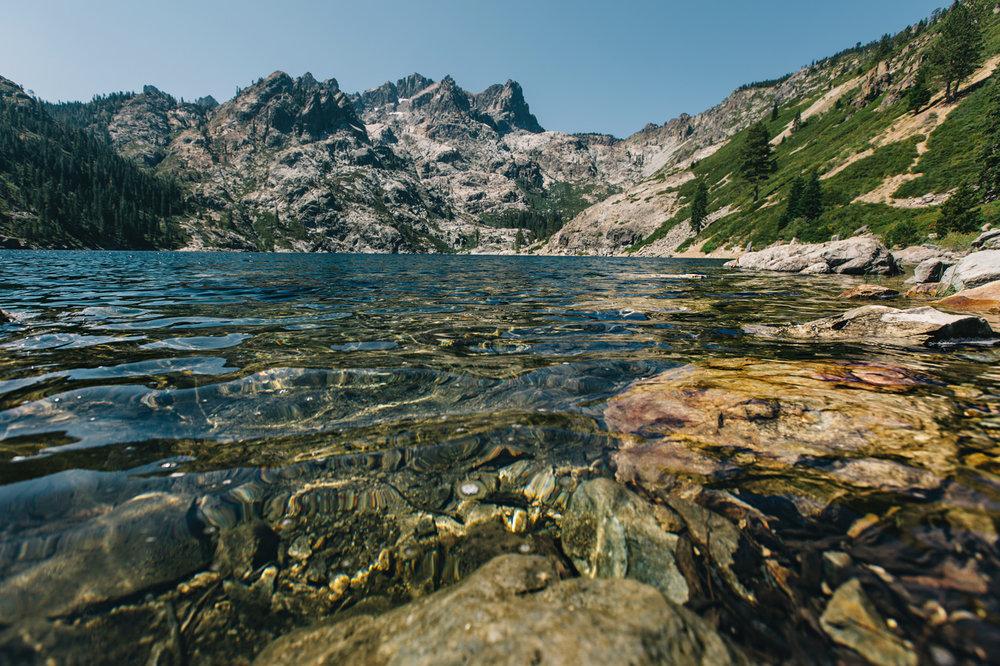 CindyGiovagnoli_SierraNevadaMountains_UpperSardineLake_SierraButte_alpine_lake_California-002.jpg