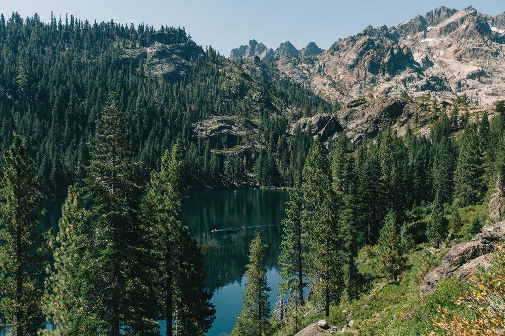 CindyGiovagnoli_SierraNevadaMountains_UpperSardineLake_SierraButte_alpine_lake_California-009.jpg