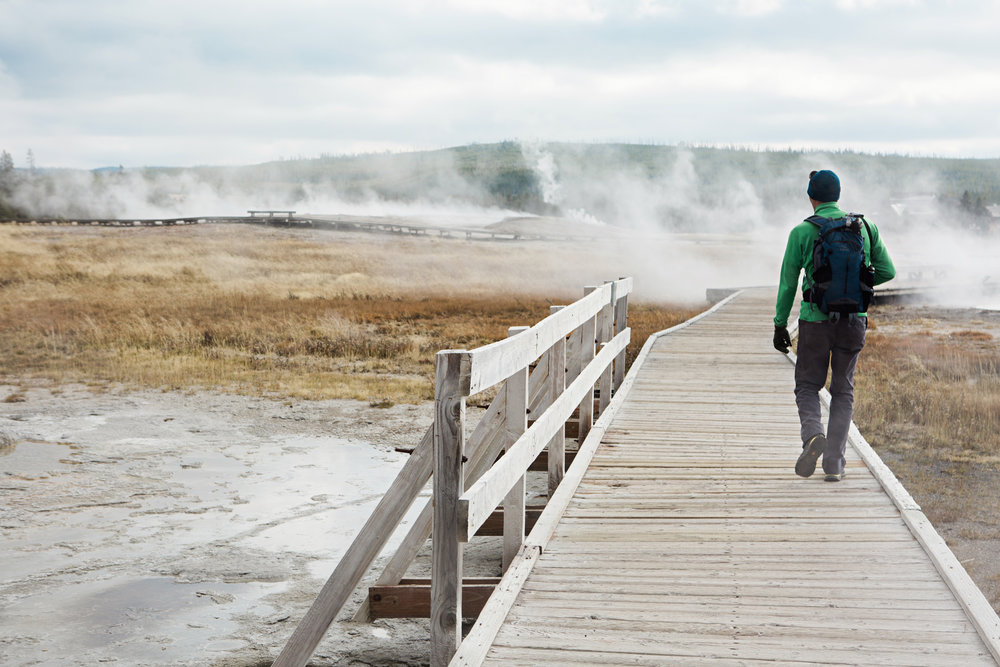 CindyGiovagnoli_road_trip_Yellowstone_National_Park_Montana_Wyoming_hot_springs_geyser_Old_Faithful_Grand_Prismatic-004.jpg