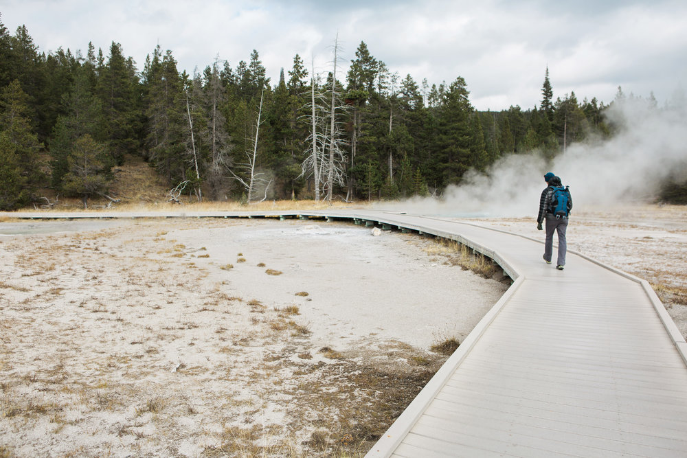 CindyGiovagnoli_road_trip_Yellowstone_National_Park_Montana_Wyoming_hot_springs_geyser_Old_Faithful_Grand_Prismatic-010.jpg