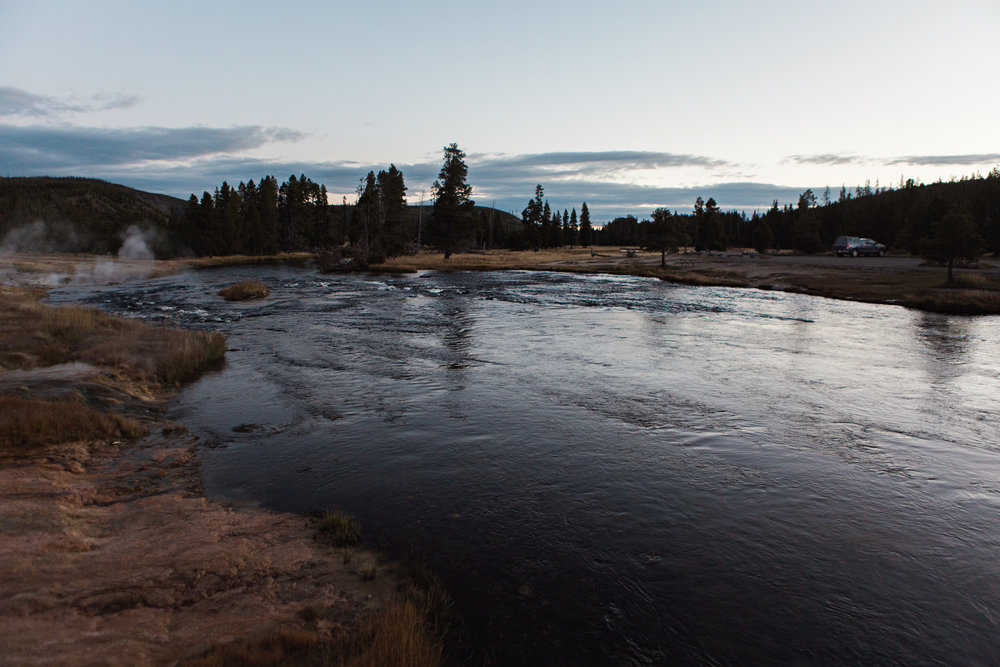 CindyGiovagnoli_road_trip_Yellowstone_National_Park_Montana_Wyoming_hot_springs_geyser_Old_Faithful_Grand_Prismatic-012.jpg