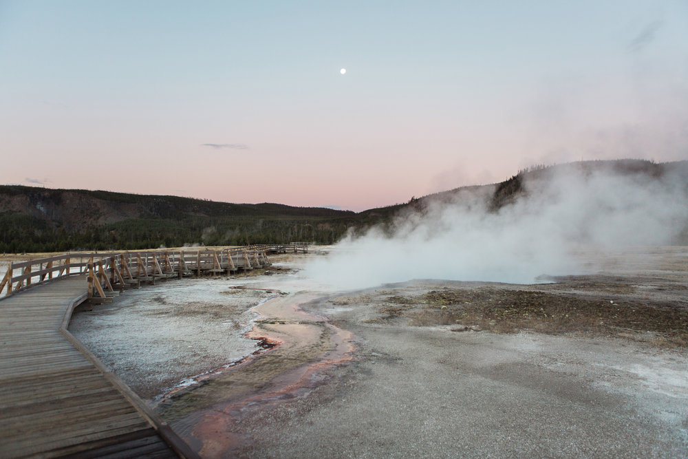 CindyGiovagnoli_road_trip_Yellowstone_National_Park_Montana_Wyoming_hot_springs_geyser_Old_Faithful_Grand_Prismatic-013.jpg