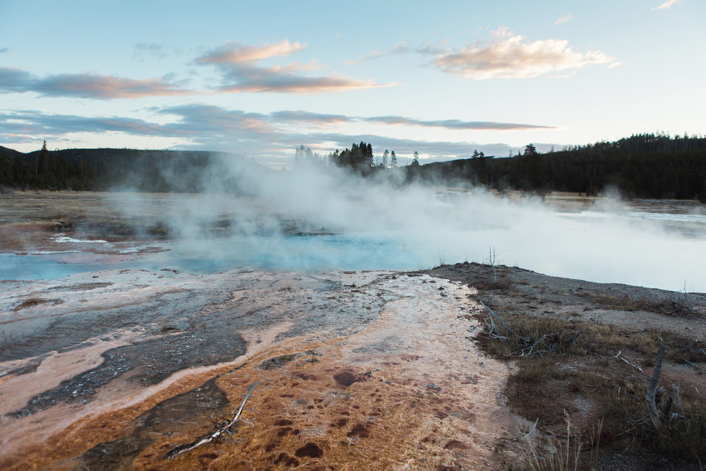 CindyGiovagnoli_road_trip_Yellowstone_National_Park_Montana_Wyoming_hot_springs_geyser_Old_Faithful_Grand_Prismatic-018.jpg