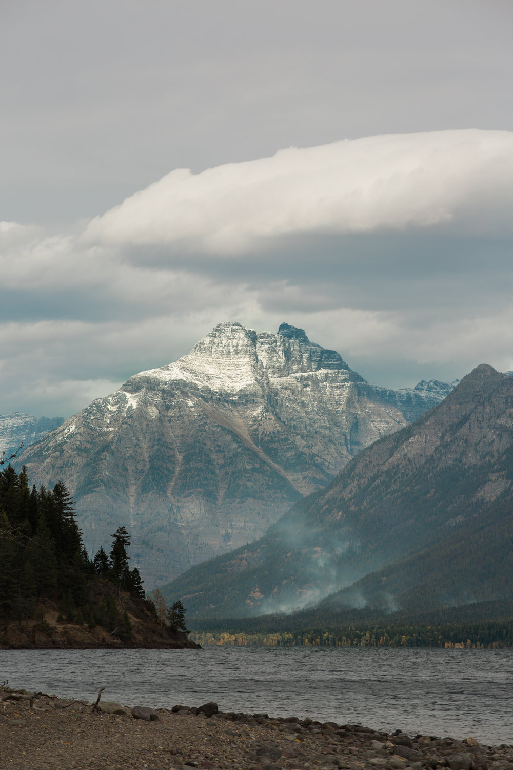 CindyGiovagnoli_Glacier_National_Park_Montana_mountains_lake_fall_autumn_road_trip-010.jpg