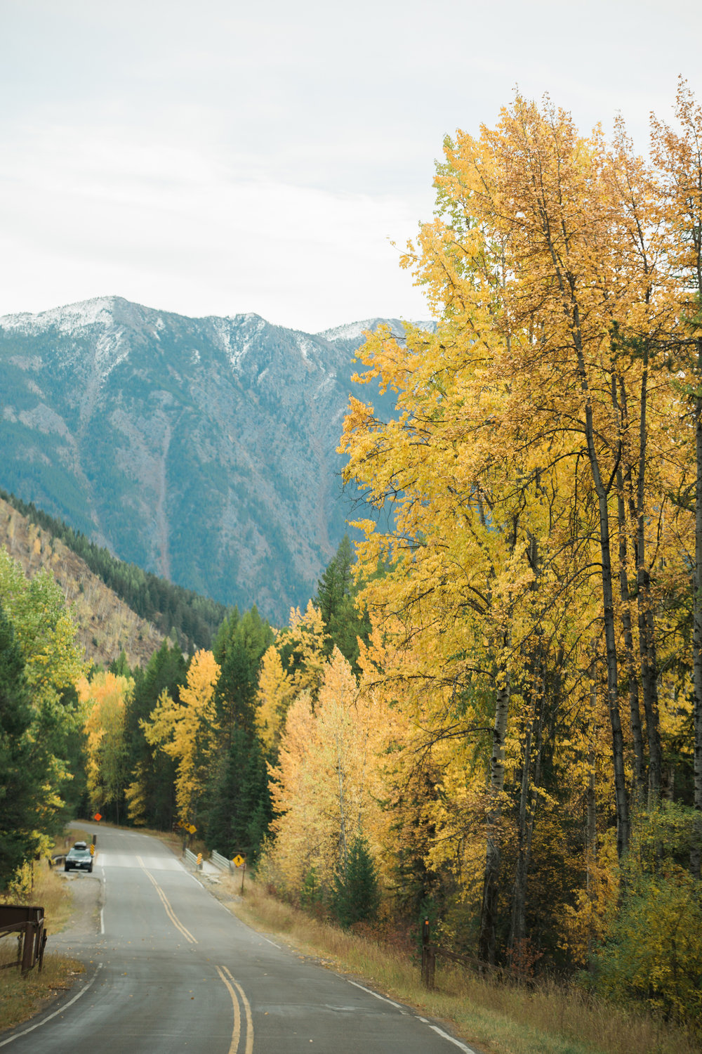 CindyGiovagnoli_Glacier_National_Park_Montana_mountains_lake_fall_autumn_road_trip-011.jpg