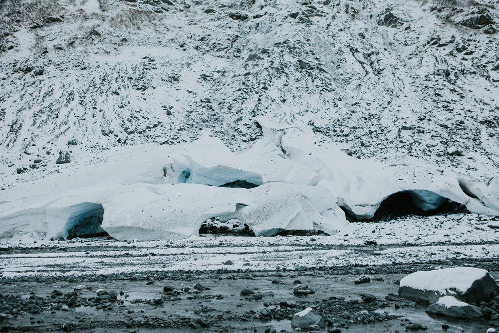 CindyGiovagnoli_hiking_glacier_Anchorage_snow_winter_ByronGlacier_Alaska-004.jpg