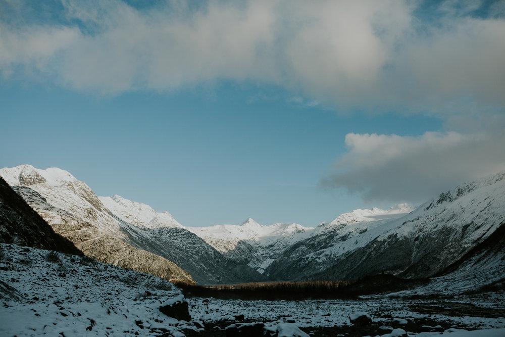 CindyGiovagnoli_hiking_glacier_Anchorage_snow_winter_ByronGlacier_Alaska-010.jpg